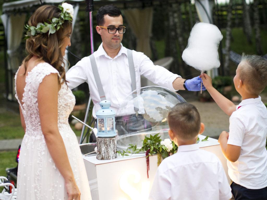 wata cukrowa na weselu